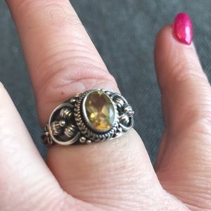 925 sterling silver ring with lemon yellow stone